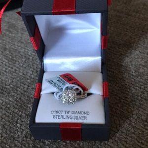 Diamond ring never been worn